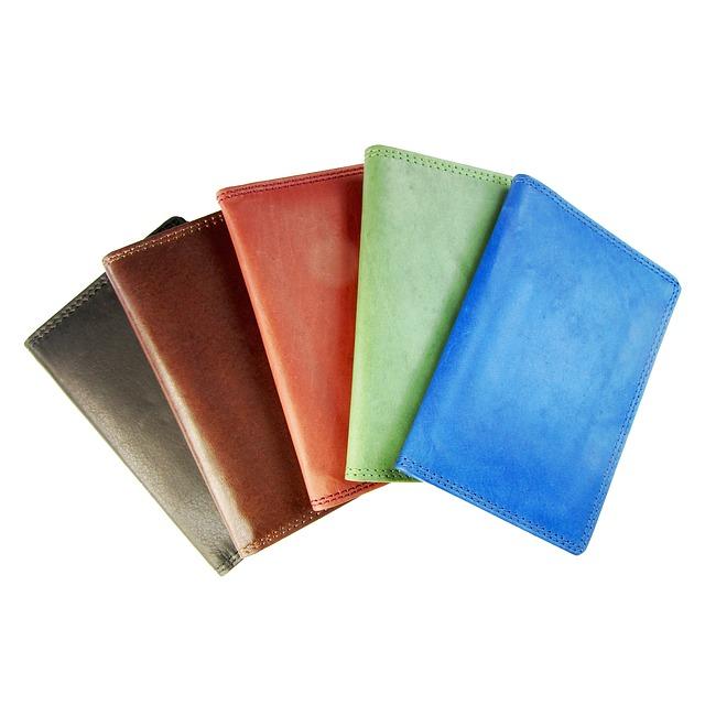 61d4ca521c87 風水で金運の上がる財布の色や素材は?使い始めはいつがいい? | 不思議 ...