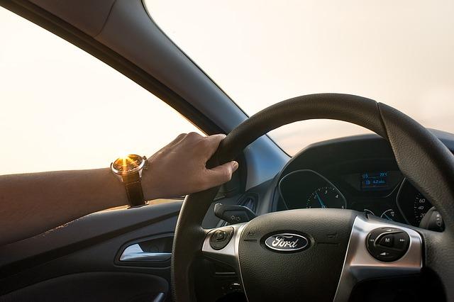 夢占い 車を運転する夢