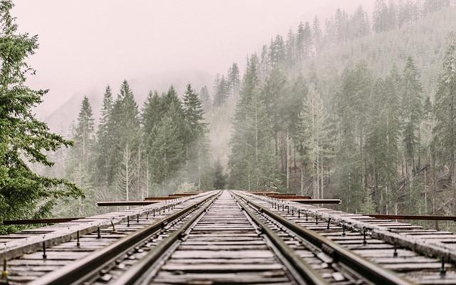 夢占い 電車の夢 線路