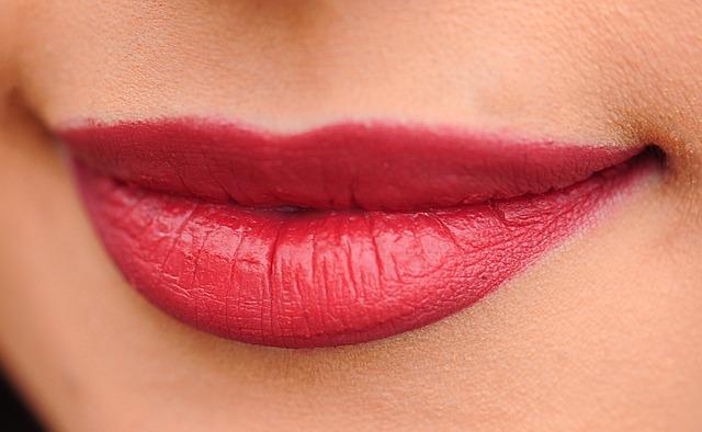 唇の整形の夢占い